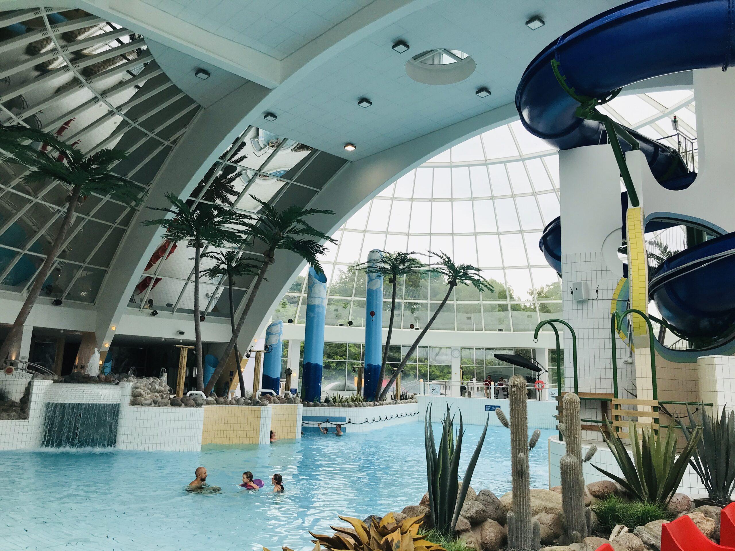 Scandic Eden Nokian kylpyläosasto, jossa on useita uima- ja porealtaita sekä liukumäkiä.
